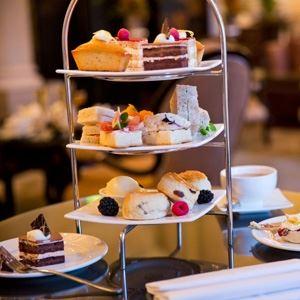 Buckingham Palace Tour and Afternoon Tea
