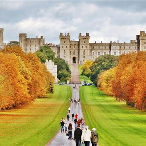 Windsor Castle, Oxford and Stonehenge tour with Free Lunch Pack