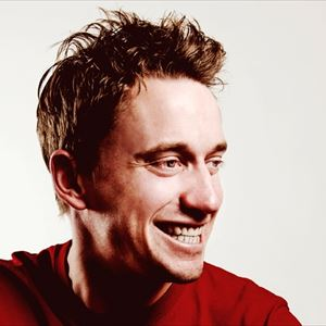 Bush Hall presents with John Robins