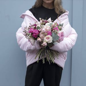 Front Row Spring Floral Arrangements