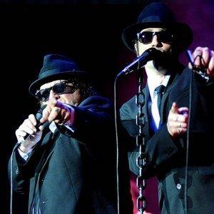 Jake & Elwood with the Black Rhino Band