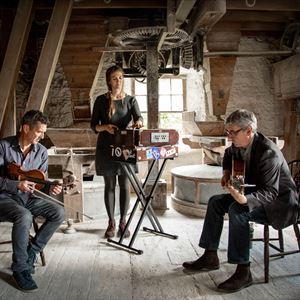 Jenny Sturgeon Trio