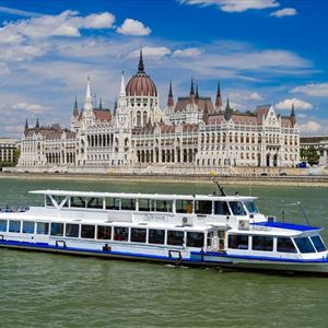 Lunch and Cruise in Budapest