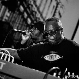 Mad Professor Live Dub & Sir Coxsone Outernational