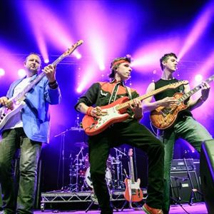 Money For Nothing - Dire Straits Legacy