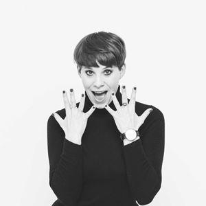Suzi Ruffell: Dance Like Everyone's Watching (14+)