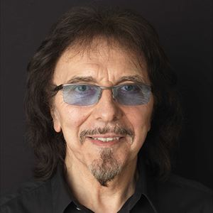 Tony Iommi With Phil Alexander ' A Life in Music'