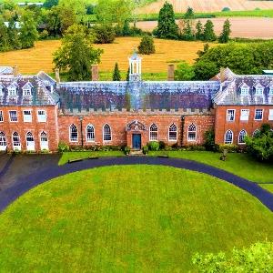 21st Century ABBA - Hartlebury Castle