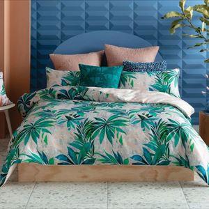 Interior design masterclass - Cushion styling